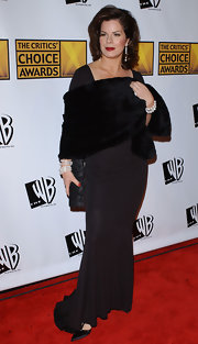 Marcia Gay Harden looked elegant with a fur scarf wrapped around her arms at the 10th Annual Critics' Choice Awards.