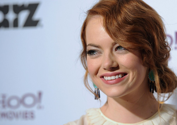 More Pics of Emma Stone Bright Eyeshadow (1 of 10) - Emma Stone Lookbook - StyleBistro