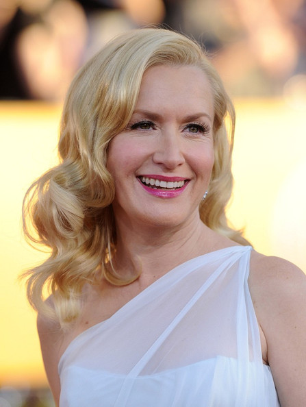 More Pics of Angela Kinsey Long Curls (3 of 7) - Angela Kinsey Lookbook - StyleBistro