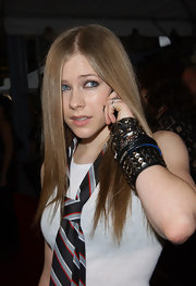Avril stacked her wrist with studded leather bracelets for for the MTV Video Music Awards.