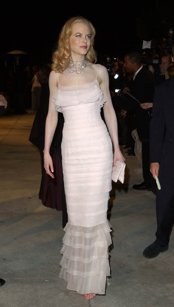 CREDIT:AXELLE/BAUER-GRIFFIN.COM.VANITY FAIR OSCAR PARTY.MORTON'S LOS ANGELES, CA MAR 24 2002..PIC SHOWS:NICOLE KIDMAN