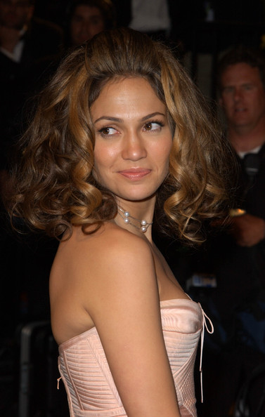 More Pics of Jennifer Lopez Bouffant (1 of 6) - Bouffant Lookbook - StyleBistro