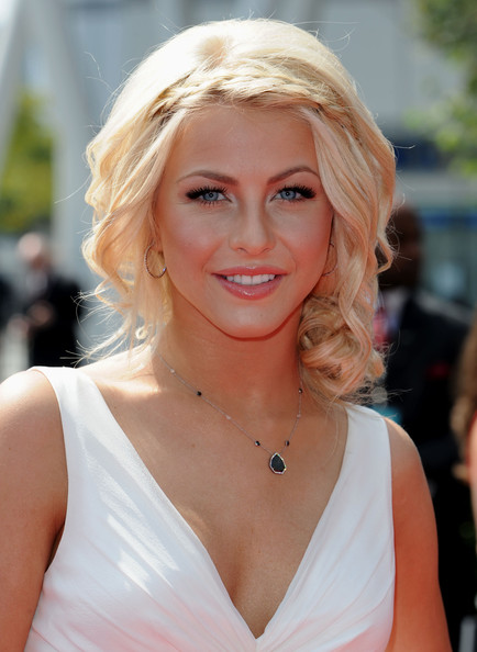 more pics of julianne hough pinned up ringlets 8 of 13