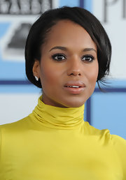 Kerry Washington attended the 2008 Independent Spirit Awards wearing her hair in a pretty polished updo.