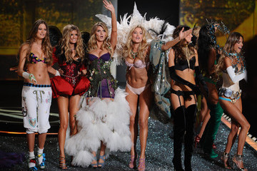 Heidi Klum Doutzen Kroes 2009 Victoria's Secret Fashion Show