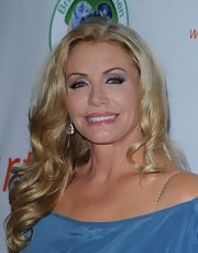 Shannon Tweed wore her soft waves down at the Brave Heart Awards.