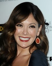 These gold and brick red earrings were an amazing contrast to Lindsay Price's dress.