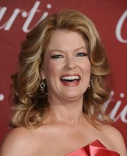 Mary Hart showed off soft medium curls at the Palm Springs International Film Festival.
