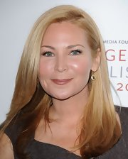 Jennifer Westfeldt kept it simple with a side-parted straight 'do at the 2012 Courage in Journalism Awards.