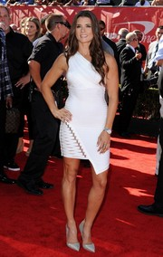 Danica Patrick added sparkle via pair of silver pointy pumps.