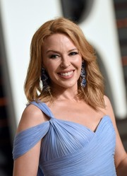 Kylie Minogue attended the Vanity Fair Oscar party looking fab with her windswept waves.