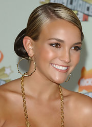 Jamie Lynn Spears styled her hair in a sleek chignon.
