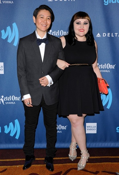 Beth Ditto kept her red carpet look at the GLAAD Media Awards sleek and sophisticated with this black frock.