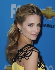 Dianne Agron showed off her long curls while hitting the red carpet at the 'Glee' season premiere.