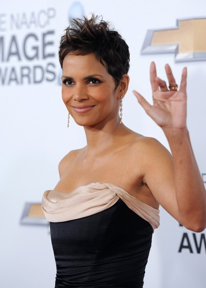 More Pics of Halle Berry Dangle Decorative Earrings (1 of 20) - Halle Berry Lookbook - StyleBistro