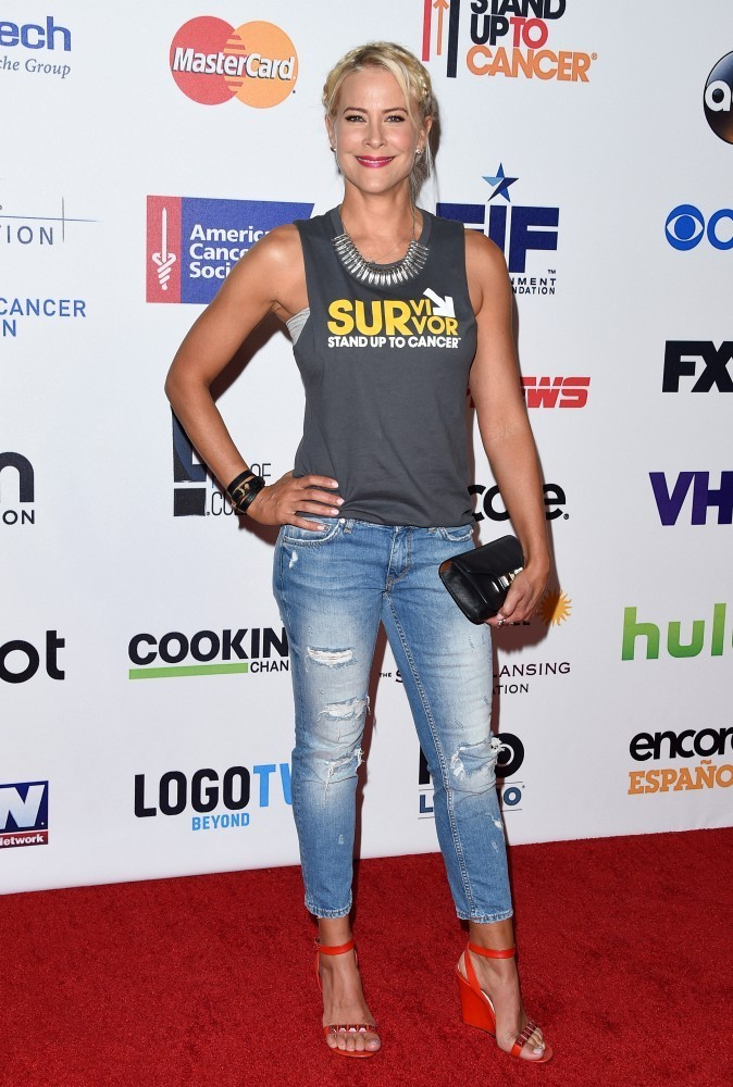 Brittany Daniel How Celebs Style A T Shirt Stylebistro