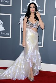 Katy Perry complemented her angelic attire with champagne satin Casadei 6402 crystal-adorned pumps.