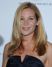 Jennifer Westfeldt kept her styling simple with this side-parted layered 'do at the Runway for Life benefit.