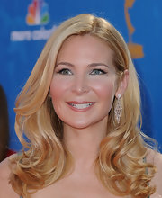 Jennifer Westfeldt styled her hair in an ultra-feminine curly 'do for the Primetime Emmy Awards.