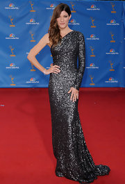 Jennifer Carpenter's beauty shone in a one sleeved glittering pewter evening gown.