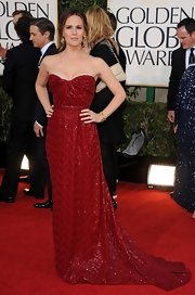 Jennifer Garner went for a classic red in this strapless beaded gown at the Golden Globe Awards.