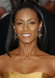 Jada Pinkett Smith showed off her diamond earrings while attending the Academy Awards.