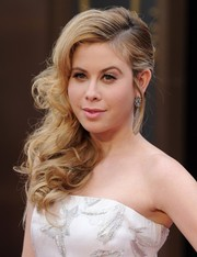 Tara Lipinski fixed her curls into a high-volume side sweep for the Academy Awards.