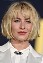 Julianne Hough looked cute wearing this tousled bob with choppy bangs at the premiere of 'A Star is Born.'