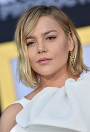 Abbie Cornish sported a mildly messy bob at the premiere of 'A Star is Born.'