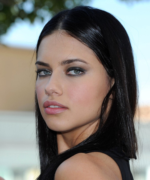 adrianna lima makeup. adriana lima 2011 photos.