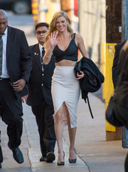 Adrianne Palicki kept it sexy all the way down to her white front-slit pencil skirt.