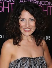 Lisa's big and bouncy curls look au naturel at the 'Afternoon Delight' premiere in Hollywood.