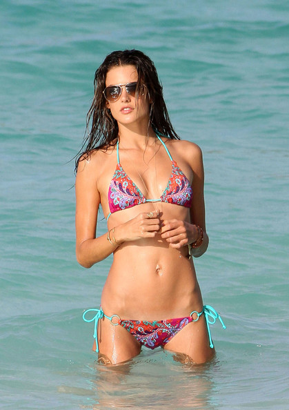 More Pics of Alessandra Ambrosio Star Tattoo (1 of 19) - Alessandra Ambrosio Lookbook - StyleBistro
