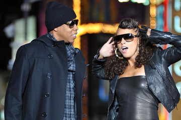 "Alicia Keys Jay-Z Alicia and Jay-Z film ""New York"" video"