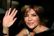 For an appearance on 'Live With Regis & Kelly', Lisa Rinna wore some eye-enhancing makeup and a pair for ultra long lashes.