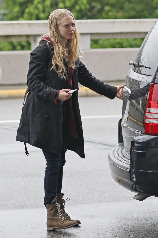 More Pics of Amanda Seyfried Lace Up Boots (25 of 26 ...