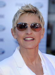 Ellen showed off cool aviator shades while walking the red carpet.