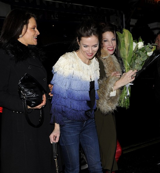 More Pics of Anna Friel Skinny Jeans (4 of 12) - Anna Friel Lookbook - StyleBistro