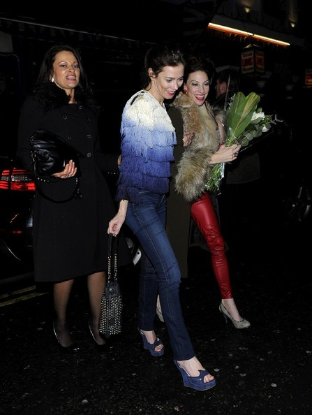 More Pics of Anna Friel Skinny Jeans (3 of 12) - Anna Friel Lookbook - StyleBistro