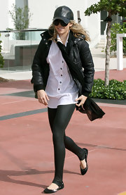 Leather is undoubtedly a must have trend fot the fall season and has even appeared in the new spring 2010 collections. Annalynne shows how you can take the leather phenom and apply it to your accessories, like her leather trucker hat.