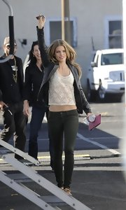 AnnaLynne McCord looked super-chic on the set of 90210—just like her character Naomi!—in a soft pair of Black Jewel jeggings.