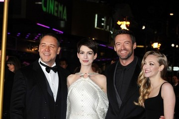 Anne Hathaway Amanda Seyfried The World Premiere of 'Les Miserables'