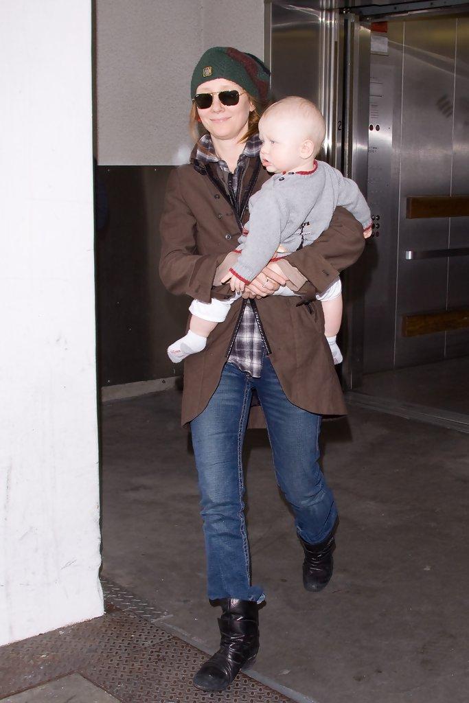 Anne Heche Flat Boots Anne Heche Shoes Looks Stylebistro