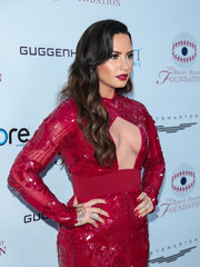 Demi Lovato matched her nail polish to her sexy dress when she attended the Brent Shapiro Foundation Summer Spectacular.