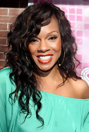 Wendy Raquel Robinson kept it simple yet lovely with a moussed-up curly 'do.