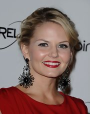 Jennifer Morrison wore ornate black gemstone earrings to the Art of Elysium gala.