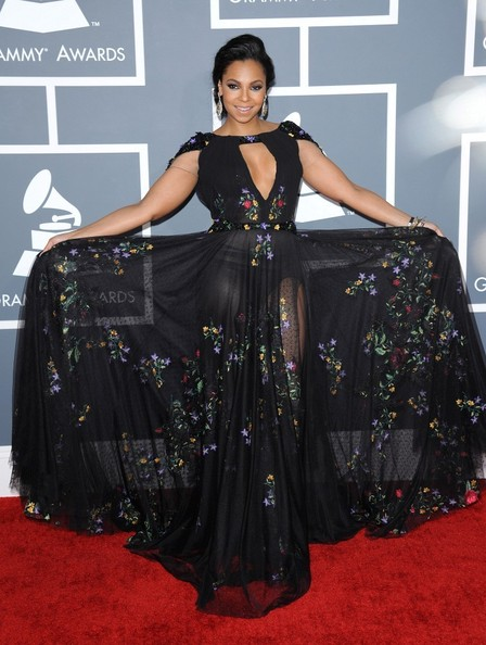 Ashanti Clothes