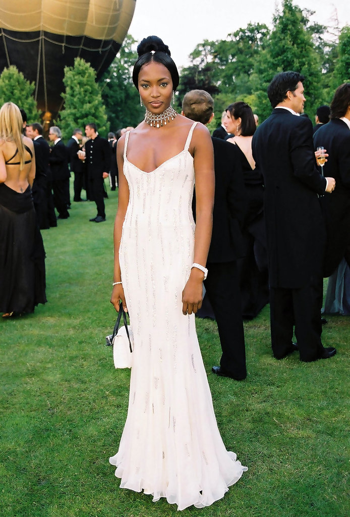 THE 5TH ANNUAL WHITE TIE & TIARA PARTY TO BENEFIT THE ELTON JOHN AIDS FOUNDATION IN ASSOCIATION WITH CHOPARD JEWELERS.  THE EVENT WAS HELD AT SIR ELTON JOHN'S HOME IN OLD WINDSOR, BERKSHIRE, ENGLAND.PIC SHOWS: NAOMI CAMPBELL.