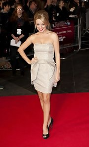 Sheridan Smith posed for the camera in a gray strapless dress at the BFI London Film Festival.