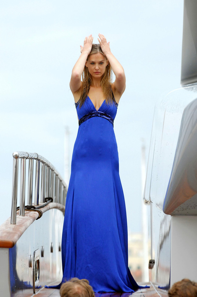 Bar Refaeli Evening Dress Bar Refaeli Looks Stylebistro